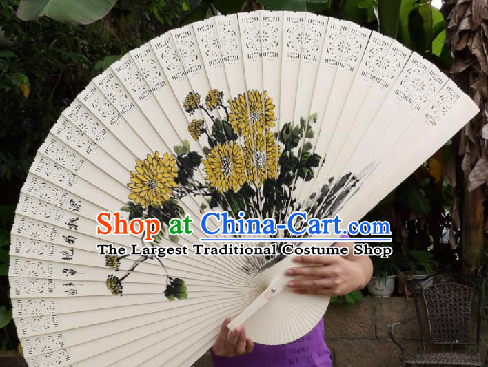 Chinese Traditional Fans Decoration Crafts Painting Chrysanthemum Folding Fans Wood Fans