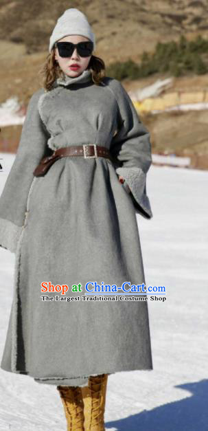 Chinese Traditional Mongol Ethnic Costume Mongolian Minority Nationality Grey LaLambswool Coat for Women