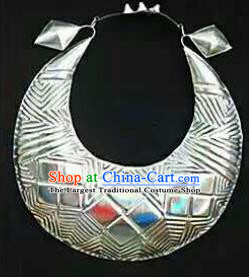 Chinese Traditional Miao Nationality Jewelry Accessories Ethnic Sliver Necklace for Women