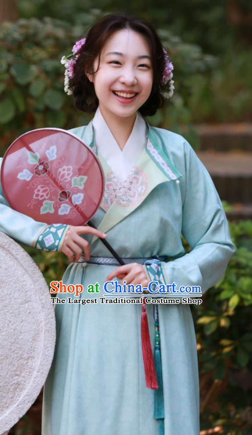 Chinese Tang Dynasty Replica Costumes Traditional Ancient Imperial Bodyguard Round Collar Robe for Women