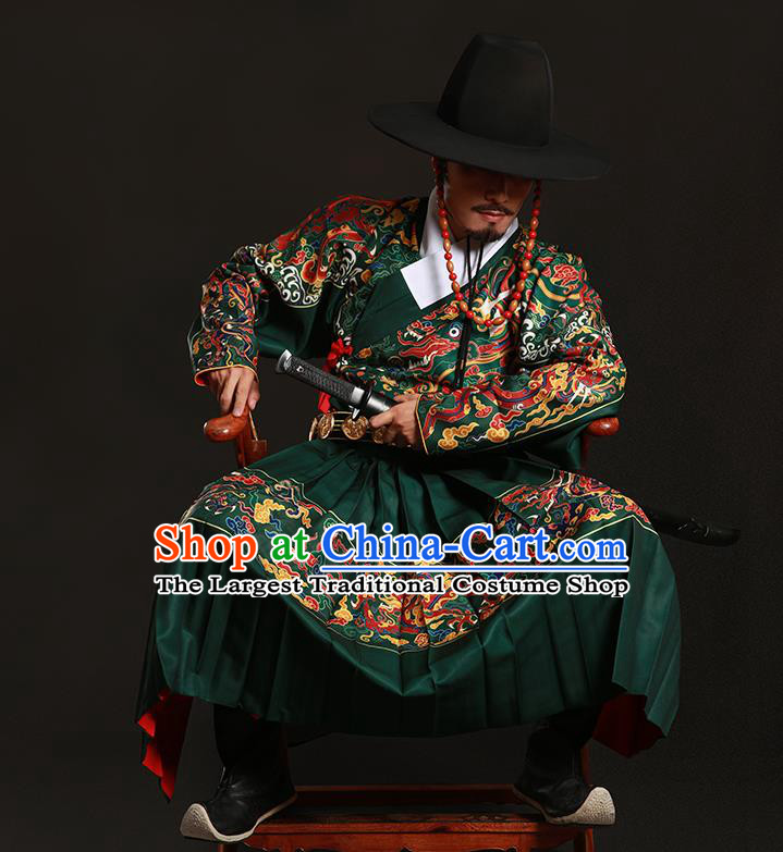 Chinese Traditional Ming Dynasty Imperial Bodyguard Clothing Ancient Blads Embroidered Green Costumes for Men
