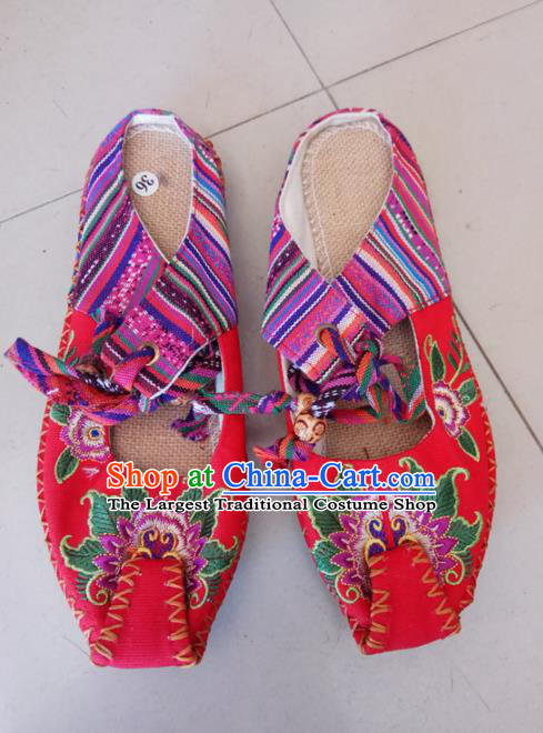 Chinese Traditional Handmade Embroidered Shoes Red Cloth Slippers for Women