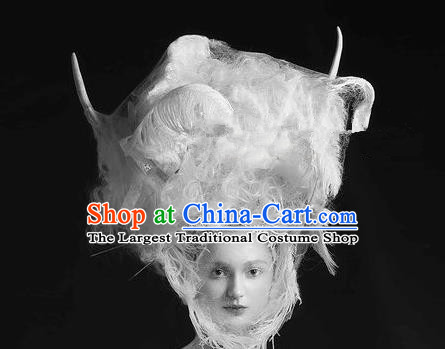 Top Grade Halloween Catwalks Hair Accessories Baroque Bride White Feather Headwear for Women