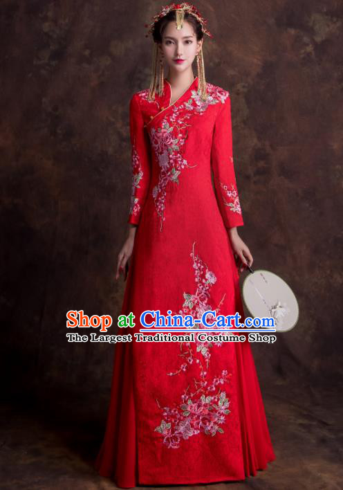 Chinese Traditional Bride Xiuhe Suits Ancient Embroidered Peony Red Wedding Dress for Women