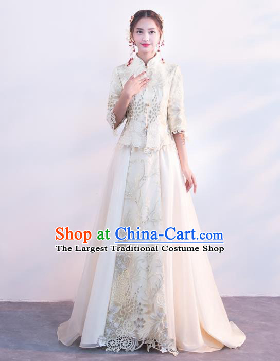 Chinese Traditional Embroidered Wedding Costumes White Xiuhe Suits Ancient Bride Dress for Women
