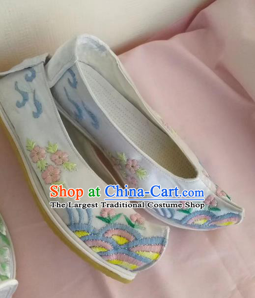 Chinese Traditional Hanfu Blue Shoes Embroidered Shoes Handmade Cloth Shoes for Women