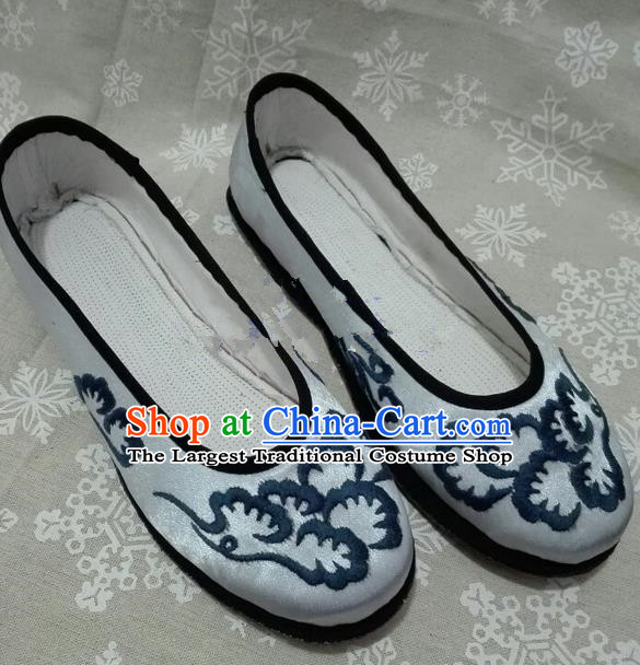 Chinese Traditional Hanfu Shoes Ancient Princess Grey Satin Shoes Handmade Shoes for Women