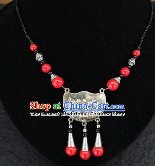 Chinese Traditional Jewelry Accessories Yunnan National Carving Fish Red Beads Minority Necklace for Women