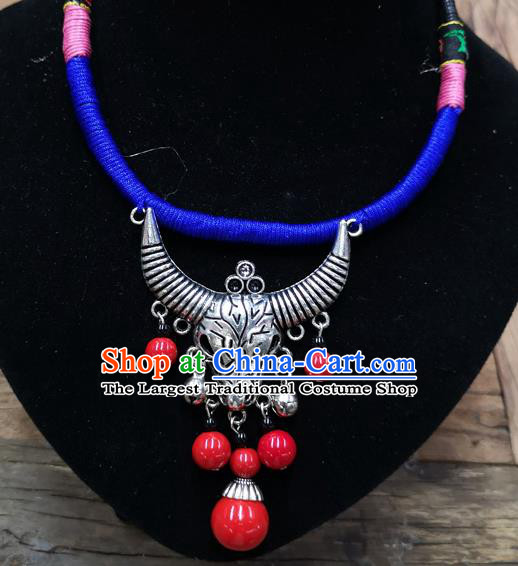 Chinese Traditional Jewelry Accessories Yunnan Minority Sliver Bull Necklace for Women