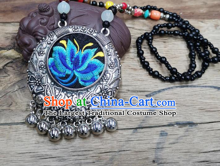 Chinese Traditional Jewelry Accessories Yunnan Miao Minority Embroidered Blue Lotus Necklace for Women