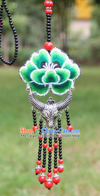 Chinese Traditional Accessories Yunnan Minority Embroidered Green Peony Sliver Ox Horn Necklace for Women