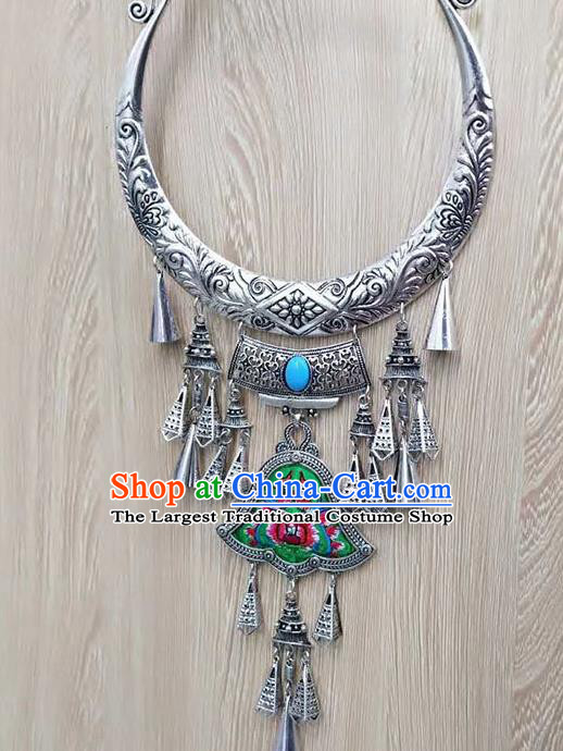 Chinese Traditional Minority Embroidered Green Carving Necklace Ethnic Folk Dance Accessories for Women