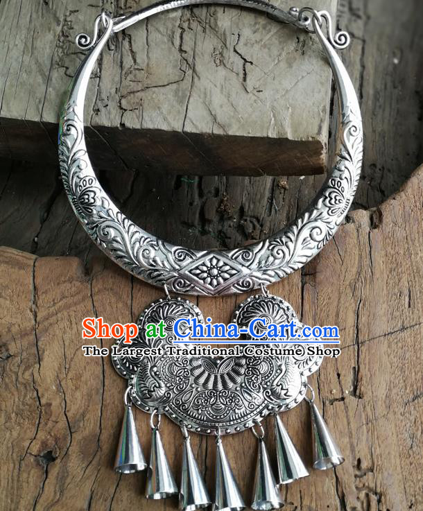 Chinese Ethnic Carving Folk Dance Necklace Traditional National Jewelry Accessories for Women
