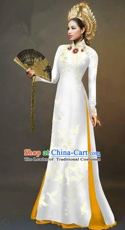 Asian Vietnam National Costume Vietnamese Trational Dress Printing Bamboo White Ao Dai Cheongsam for Women