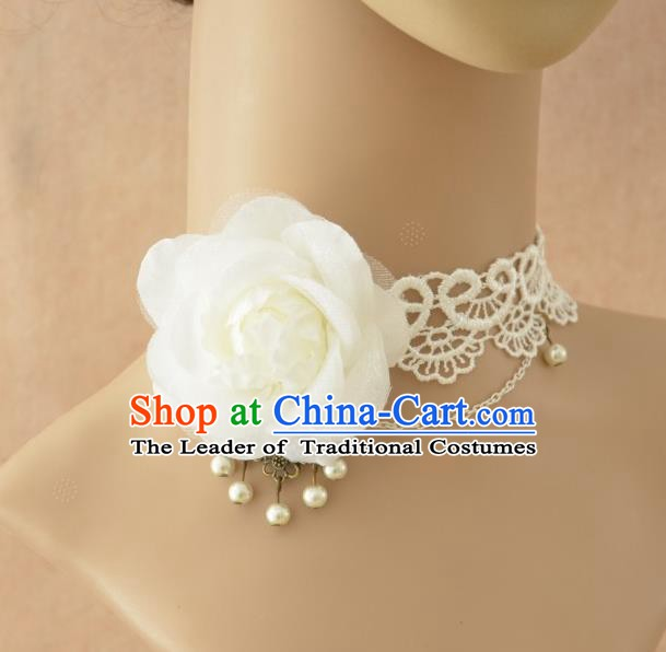 European Western Vintage Jewelry Accessories Renaissance White Flower Necklace for Women