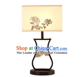 Traditional China Ancient Carving Chrysanthemum Desk Lanterns Handmade Lantern Ancient Lamp