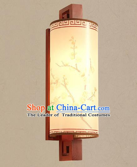 Traditional China Ancient Painted Plum Blossom Lanterns Handmade Wood Lantern Ancient Wall Lamp