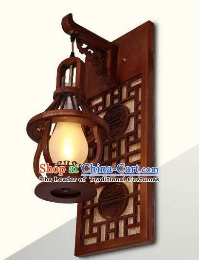 China Handmade Wood Lanterns Palace Wall Lantern Ancient Lanterns Traditional Lamp