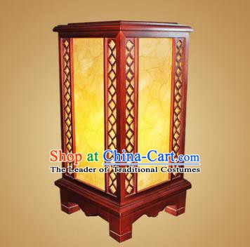 China Handmade Wood Parchment Lanterns Palace Desk Lantern Ancient Lanterns Traditional Lamp