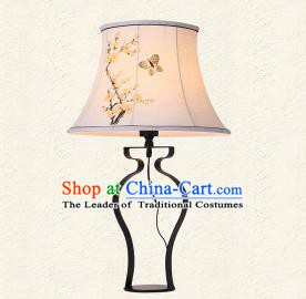 Traditional Chinese Palace Lantern Handmade Painted Butterfly Flowers Desk Lanterns Ancient Lamp