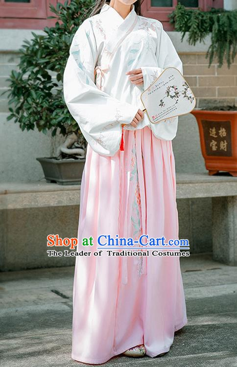 Ancient Chinese Ming Dynasty Aristocratic Lady Costume, Traditional Princess Embroidered Dress for Women