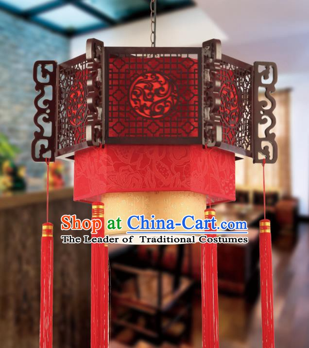 China Traditional Handmade New Year Lantern Palace Wood Hanging Lanterns Ceiling Lamp Ancient Lanern