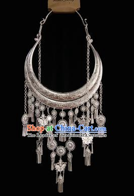 Traditional Chinese Miao Nationality Sliver Necklets Accessories Hmong Bride Necklace for Women