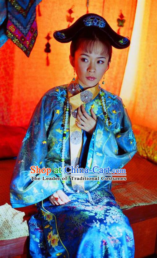 Ancient Chinese Qing Dynasty Manchu Shunzhi Consort Dong Embroidered Historical Dress Costume for Women