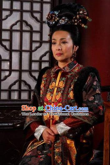 Ancient Chinese Qing Dynasty Manchu Empress Dowager Embroidered Historical Costume for Women