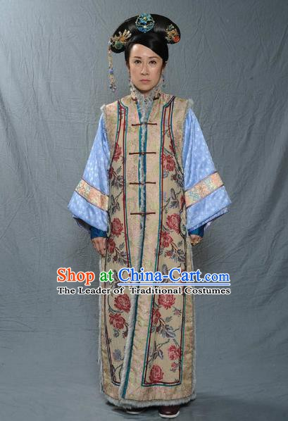 Chinese Qing Dynasty Manchu Consort Dowager of Kangxi Historical Costume Ancient Palace Lady Clothing for Women