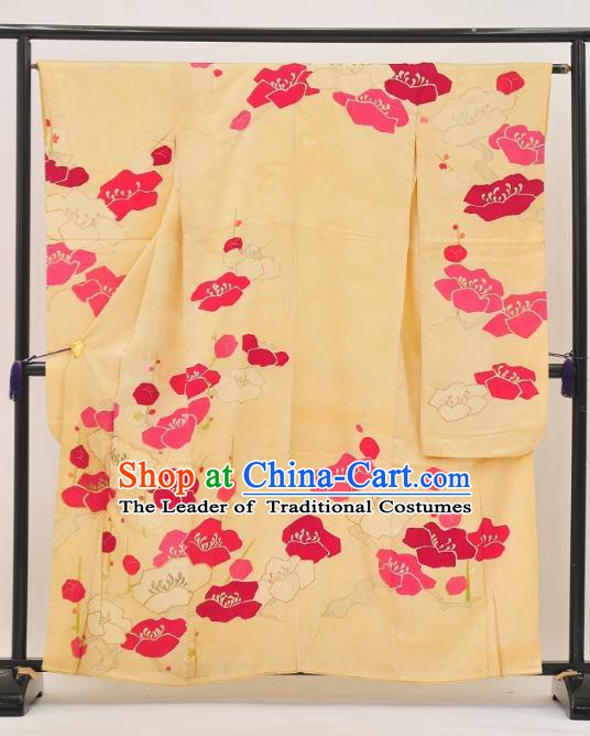 Japan Ancient Palace Female Yellow Furisode Kimonos Traditional Yukata Dress Formal Costume for Women