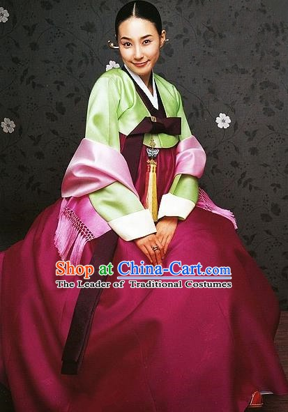 Korean Traditional Palace Clothing Hanbok Fashion Apparel Green Blouse and Wine Red Dress for Women