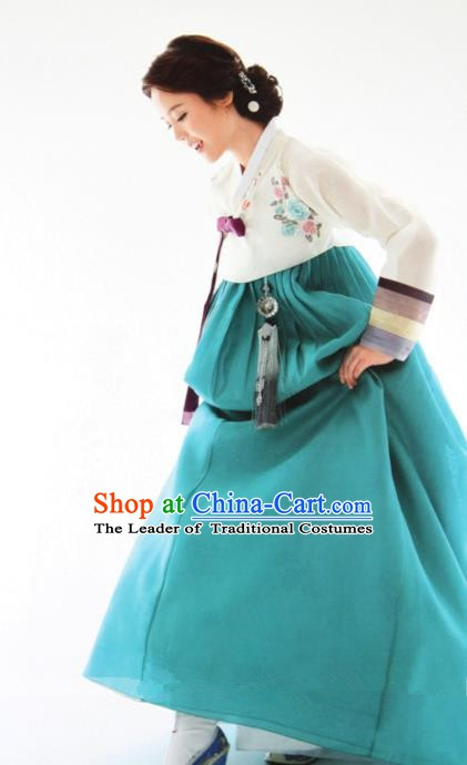 Top Grade Korean Hanbok Ancient Traditional Fashion Apparel Costumes White Blouse and Green Dress for Women