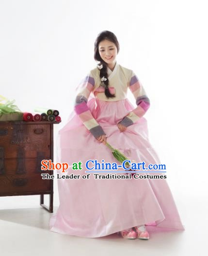 Korean Traditional Bride Hanbok Formal Occasions Beige Blouse and Pink Dress Ancient Fashion Apparel Costumes for Women