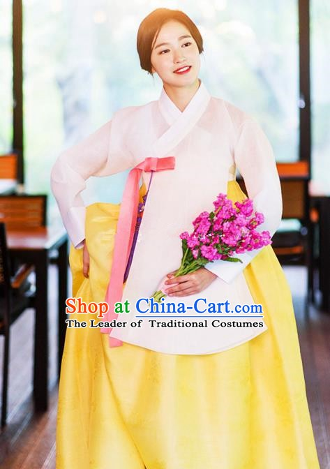 Korean Traditional Bride Tang Garment Hanbok Formal Occasions White Blouse and Yellow Dress Ancient Costumes for Women