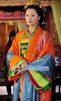 Chinese Ancient Southern Song Dynasty Imperial Consort Embroidered Replica Costume for Women