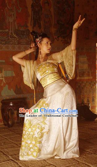 Chinese Ancient Song Dynasty Princess of Khotan Kingdom Embroidered Replica Costume for Women
