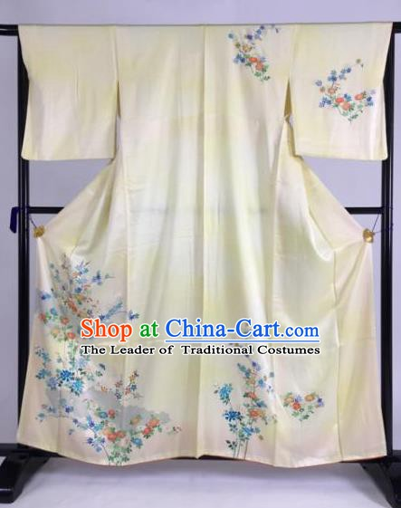 Japan Traditional Kimono Yellow Silk Furisode Kimono Ancient Yukata Dress Formal Costume for Women