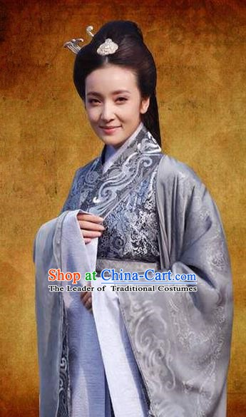 Chinese Ancient Han Dynasty Imperial Concubine Qi Embroidered Hanfu Dress Replica Costume for Women