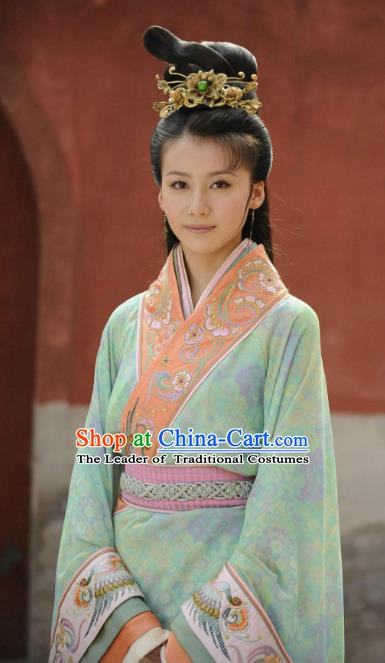 Traditional China Warring States Period Yue State Beauty Clothing Ancient Imperial Consort Embroidered Replica Costume for Women