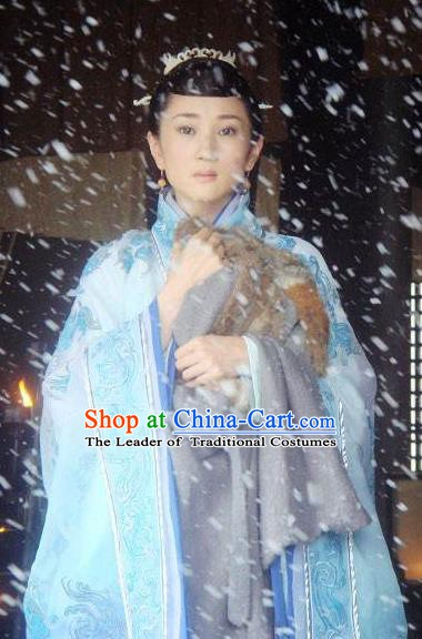 Ancient Chinese Spring and Autumn Period Female Espionage Hanfu Dress Embroidered Replica Costume for Women