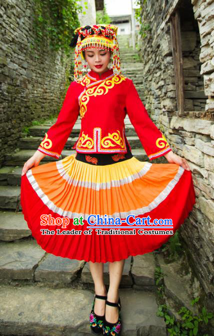 Traditional Chinese Yi Nationality Embroidered Costume, China Yi Ethnic Minority Dance Clothing and Headdress for Women