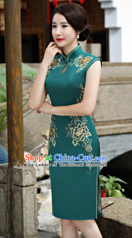 Chinese National Costume Tang Suit Green Silk Qipao Dress Traditional Embroidered Chrysanthemum Cheongsam for Women