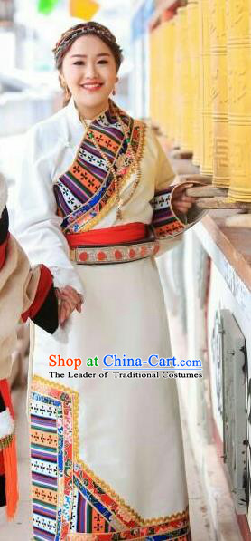 Chinese Traditional Brocade Tibetan Robe Minority Costume Zang Nationality Clothing for Women