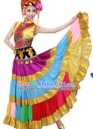 Traditional Chinese Yi Nationality Dance Pleated Skirt, China Yi Minority Folk Dance Ethnic Costume and Headwear for Women