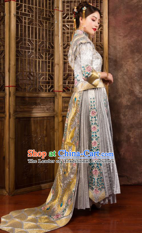Traditional Chinese Wedding Costumes Ancient Bride Embroidered Peony Trailing XiuHe Suit for Women