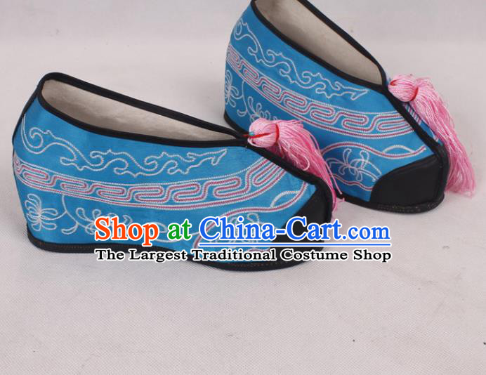 Chinese Traditional Beijing Opera Diva Embroidered Shoes Peking Opera Blue Cloth Shoes for Women