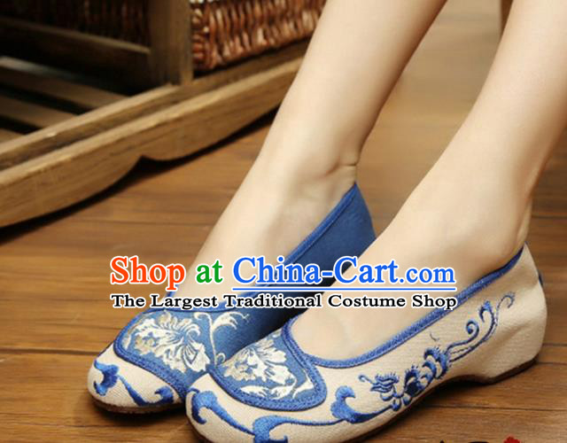 Chinese Ancient Handmade Embroidered Shoes Embroidery Blue Cloth Shoes for Women