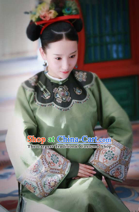 Story of Yanxi Palace Traditional Chinese Ancient Qing Dynasty Manchu Nobility Lady Embroidered Costumes and Headpiece for Women