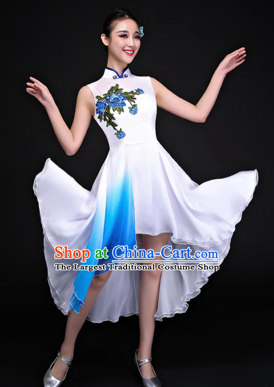 Chinese Traditional Umbrella Dance White Dress Classical Dance Chorus Costume for Women